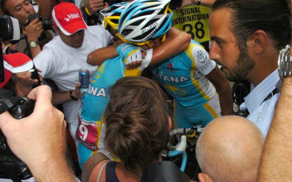 2010 Tour de France - Vinokourov and Contador After Stage 13