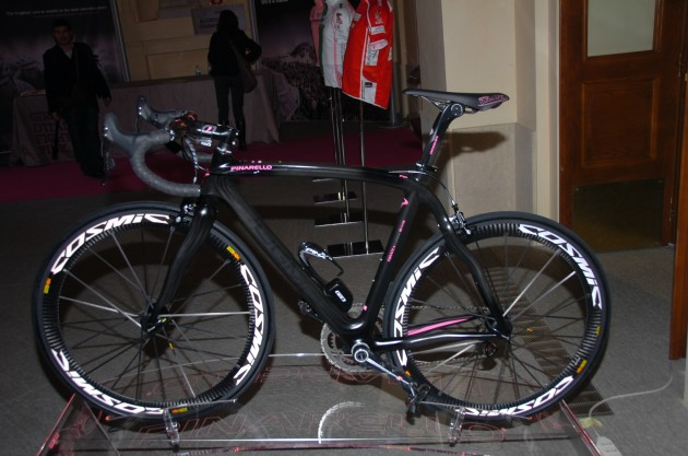 2011 Giro d'Italia Presentation - Bike with Campy Electric?