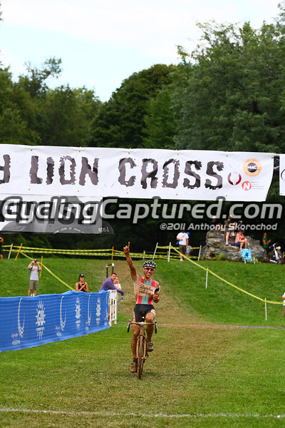 Powers takes the win at Nittany Lion Cross in 2011. Photo: cyclingcaptured.com