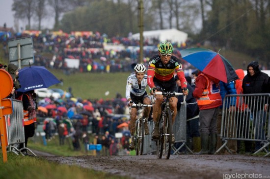 Sven Nys and Niels Albert locked in battle at Koppenbergcross.