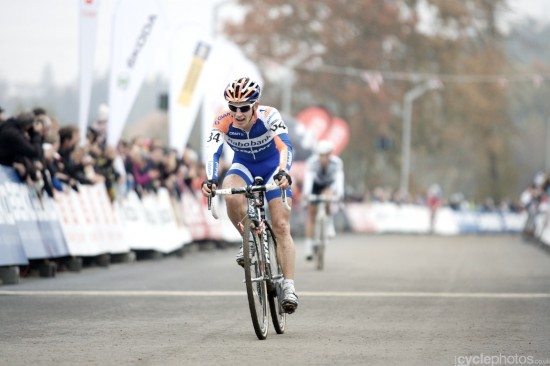 Lars van der Haar out sprints Albert for second. Photo: Balint.