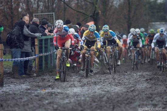 2012-cyclocross-bpost-trofee-azencross-78-julien-taramarcaz-crash