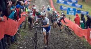 Marianne Vos leads the charge in Namur. Photo: Balint.
