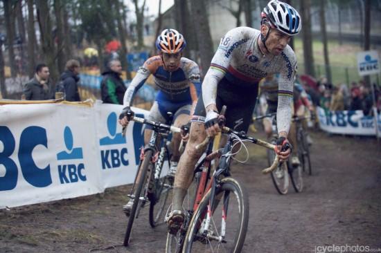 Zdenek Stybar leads the chase. Photo: Balint.