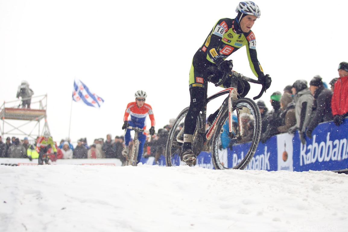 Martin Bina leads a snowy, icy race in Hoogerheide. Photo: Balint.