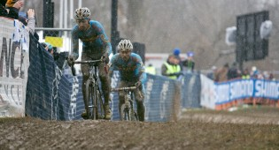 Sven Nys and Klaas Vantornout battle it out in Louisville. Photo: Balint (http://cyclephotos.co.uk/).